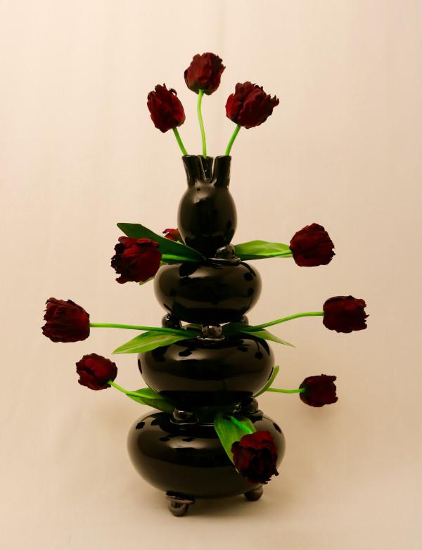 zwarte tulpenvaas Josja caecilia Schepman